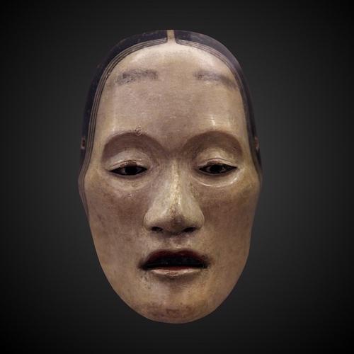 Nō-Maske vor schwarzem Hintergrund, Typ yaseonna, d.h. abgemagerte Frau.