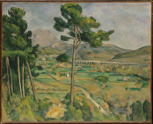 Paul Cézanne: Mont Sainte-Victoire und das Viaduct des Arc River Valley (1885). Im Vordergrund Blick auf das Tal, eine Gruppe von Kiefern und eine alleinstehende Kiefer, dazwischen im Hintergrund die Bergspitze.