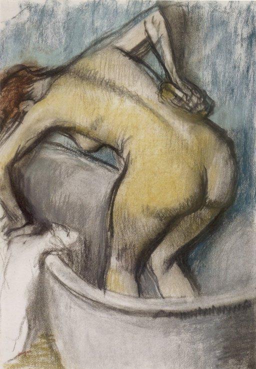 Gemälde von Edgar Degas, ca. 1887. Eine Frau von hinten in der Badewanne, den Oberkörper nach vorn gebeugt. Sie stützt sich mit der linken Hand am Badewannenrand ab und seift sich mit der rechten Hand den Rücken ein.